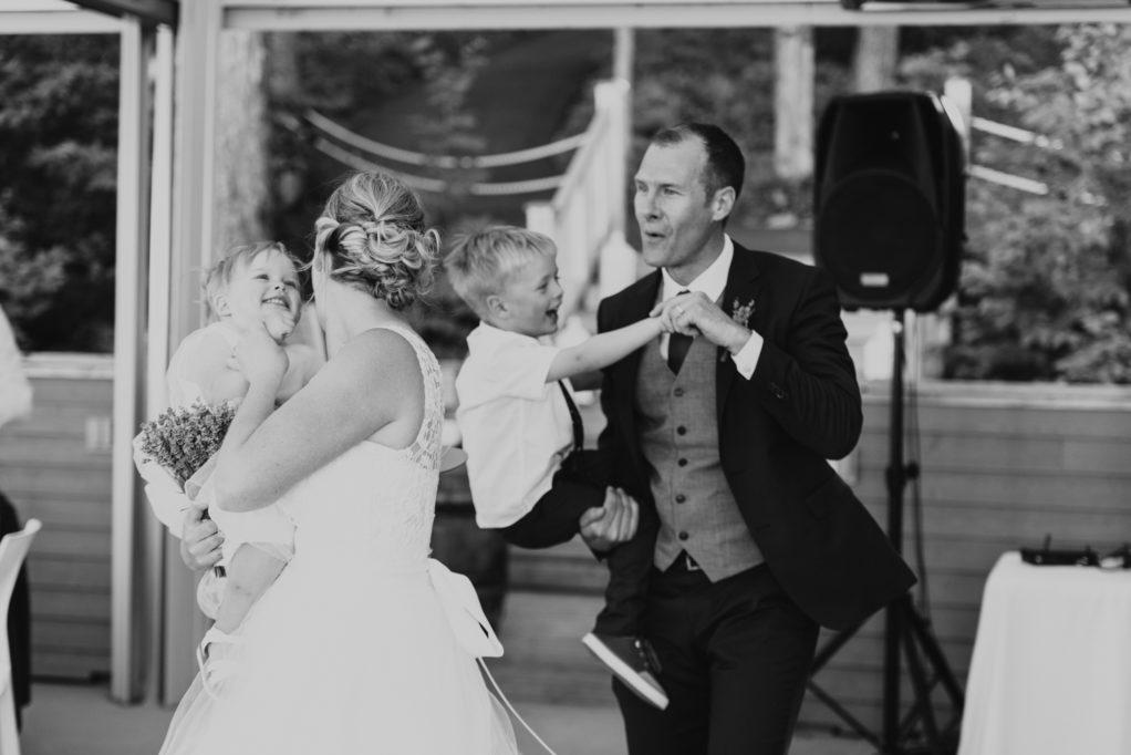 mirona_photographie_photographe_montreal_mariage_wedding_jardin_emmanuelle_vignoble_oka-37
