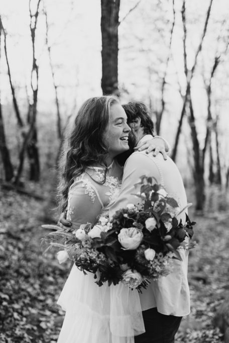 mironaphotographie_mariage_mont_tremblant_seance_couple_photographe_montreal_automne_mont_kaaikop_mironaphoto-43