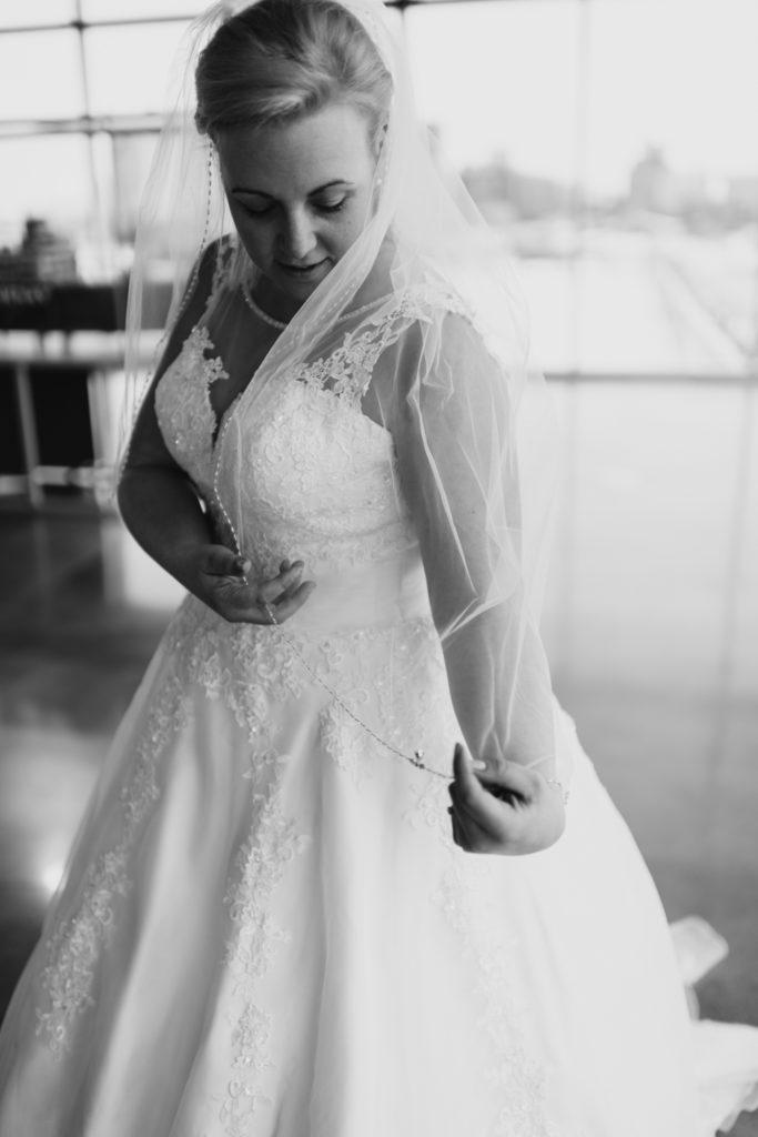mironaphotographie mirona photographie mariage vieux port montreal hiver winter wedding old port